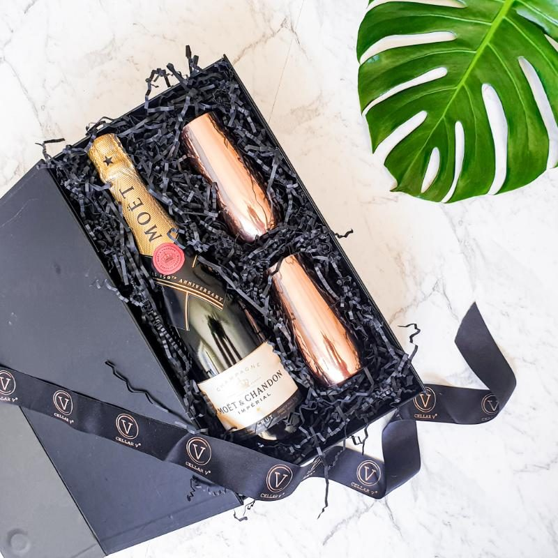 Moet champagne and flutes gift set
